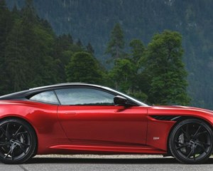 2019 Aston Martin DBS Superleggera Side View