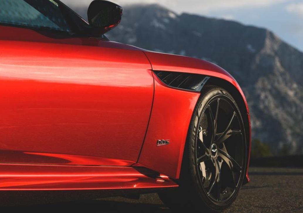 2019 Aston Martin DBS Superleggera Wheel View