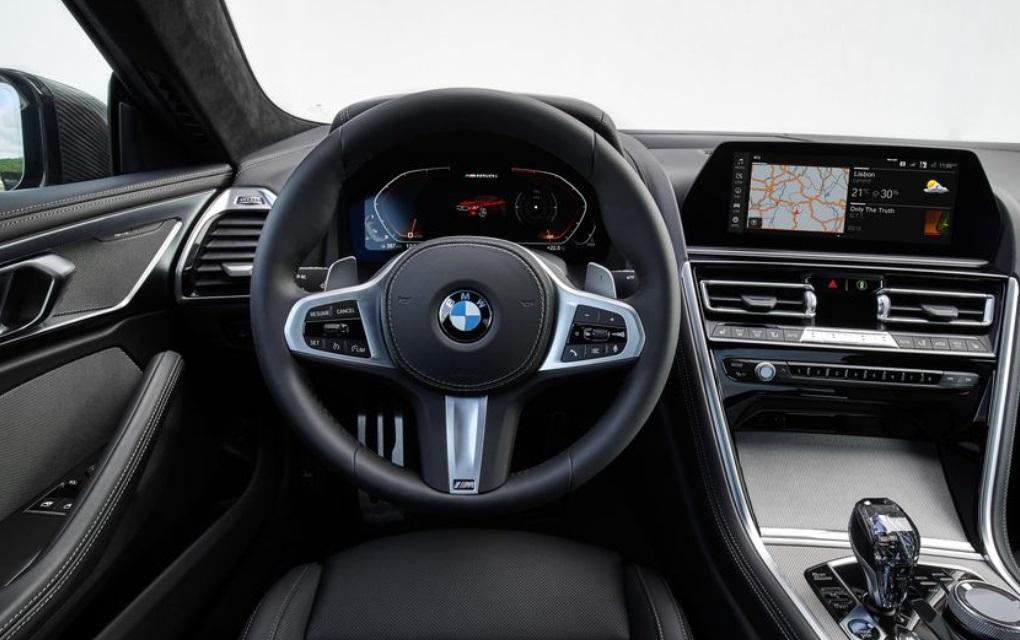 2019 BMW 850i Dashboard View