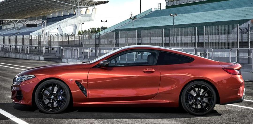 2019 BMW 850i Side View