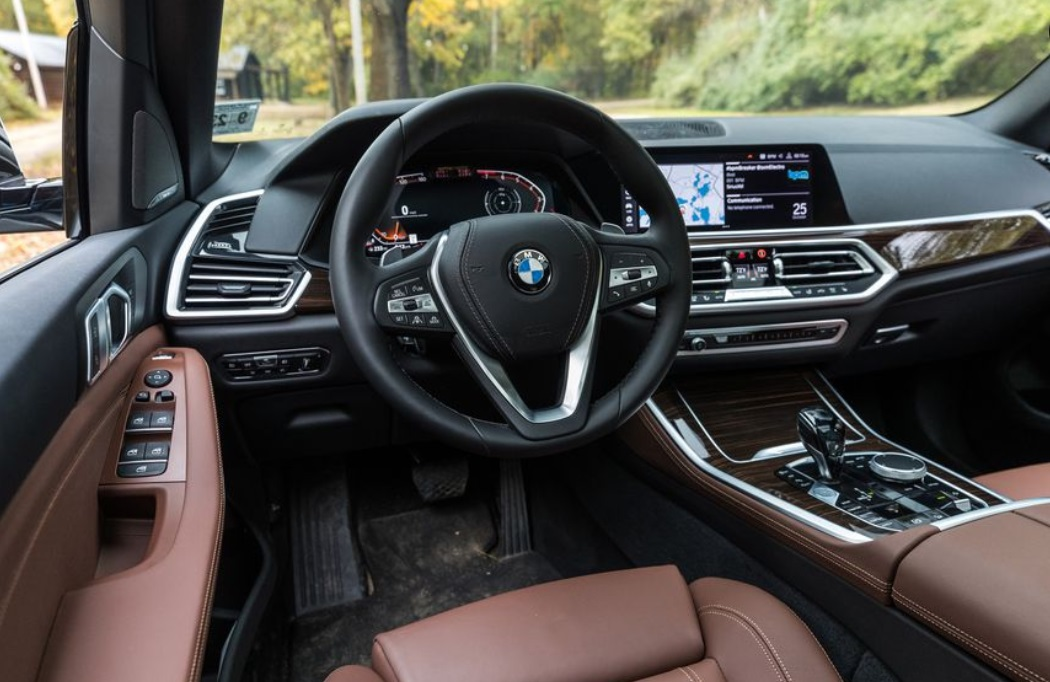 2019 BMW X5 dashboard review