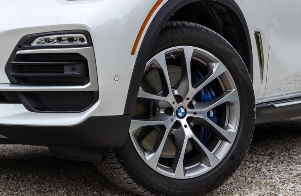 2019 BMW X5 Wheels View