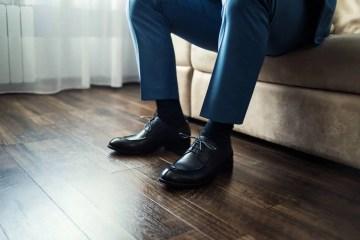 Chaussettes : quelles couleurs choisir avec un costume ?