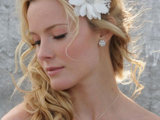 side ponytail wedding hairstyle with flowered headband_05 - latest