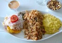 Plato Combinado de Ceviche de pescado , arroz con mariscos y Perol de marchas