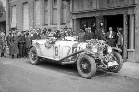 Picture borrowed from Mercedes Benz archive