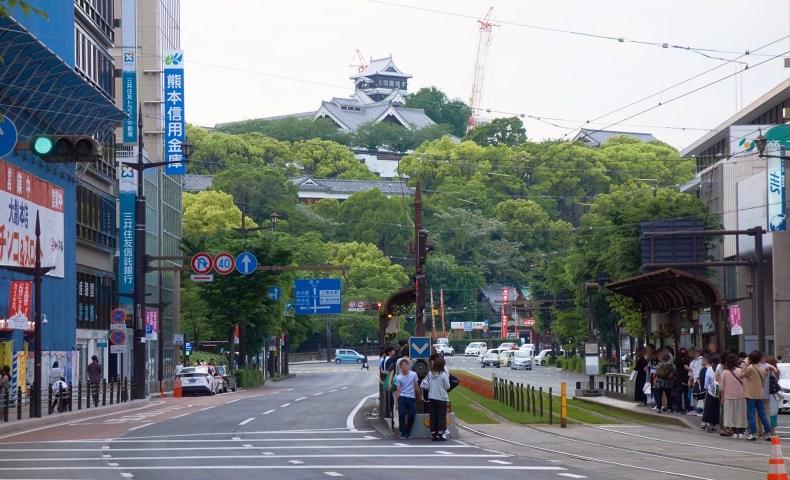 通町筋から見た熊本城