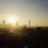 東京の朝日