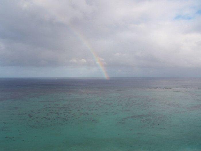 タモン湾の虹