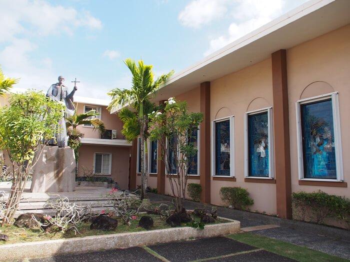 サン・ビトレス教会のステンドグラス