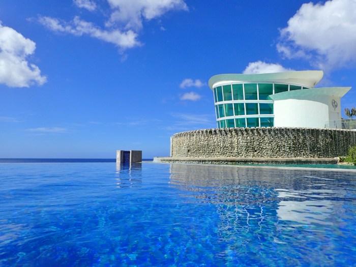 シェラトングアムのプール