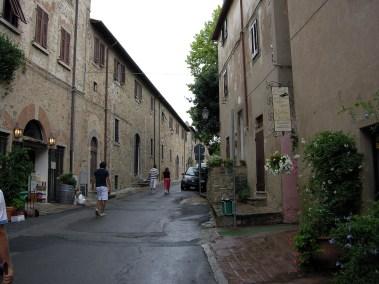 Bolgheri,_street