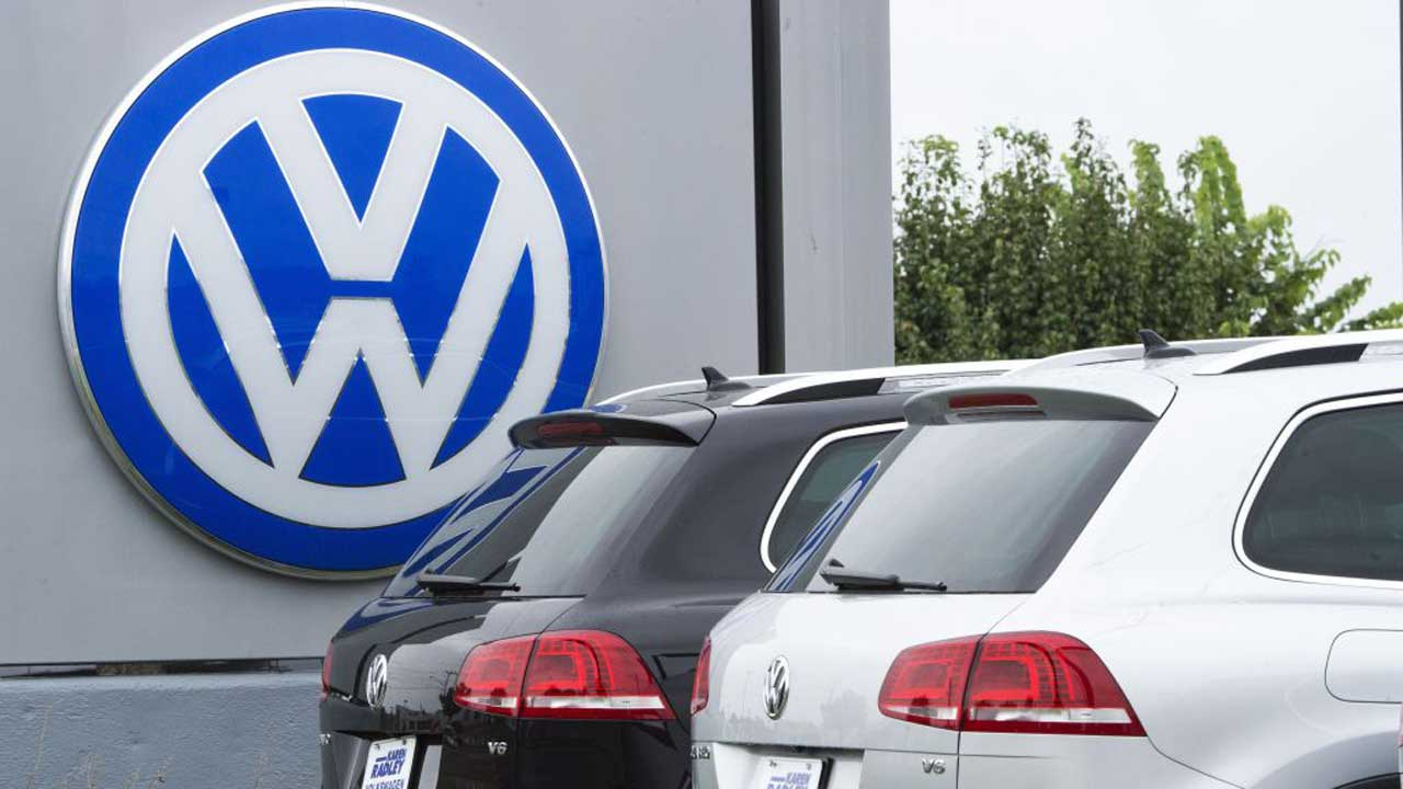 Volkswagen records losses of 1.4 bln euros in first half of 2020