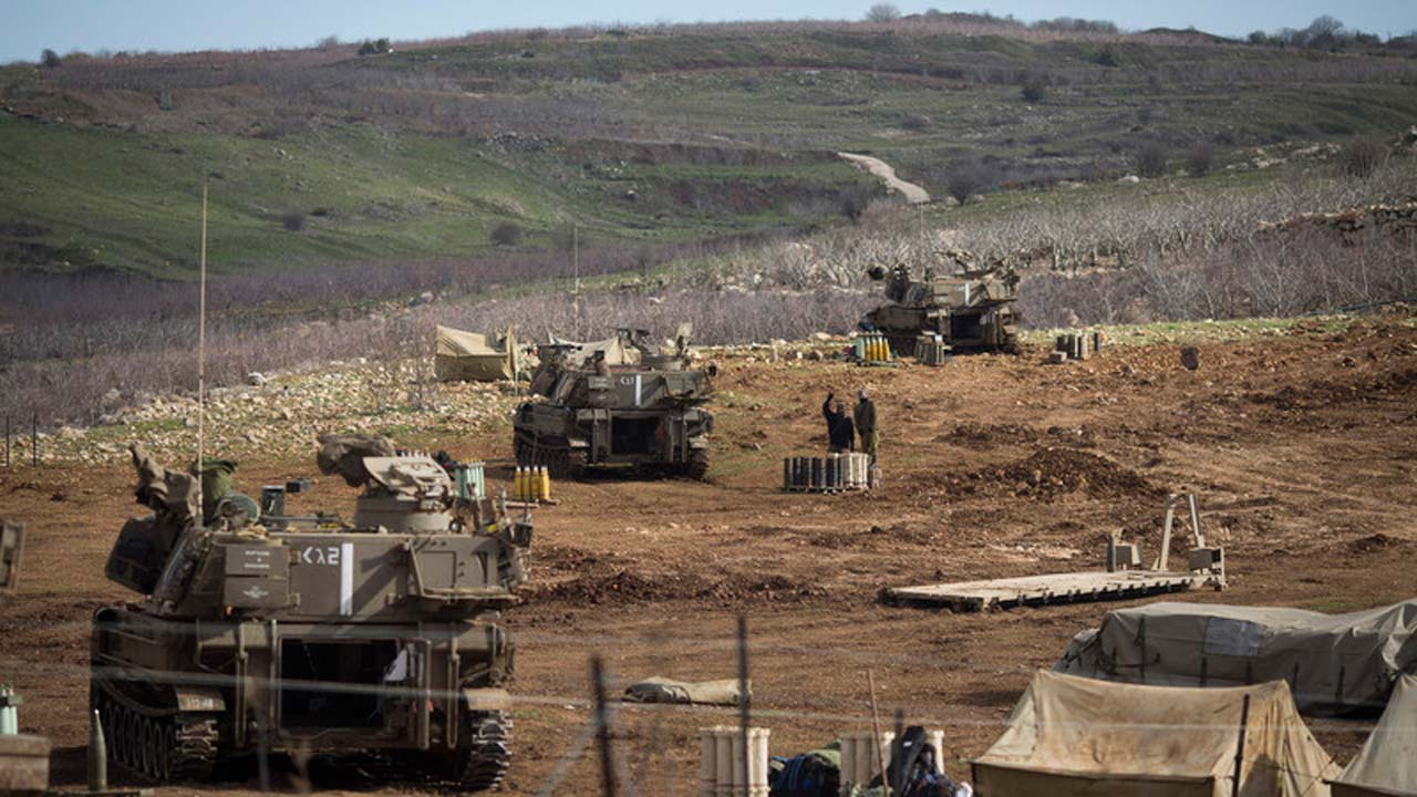 NNN: 国家通讯社SANA报道,以色列直升机于周五晚上将目标对准了叙利亚南部克奈特拉省的叙利亚军事基地,炸伤 […]
