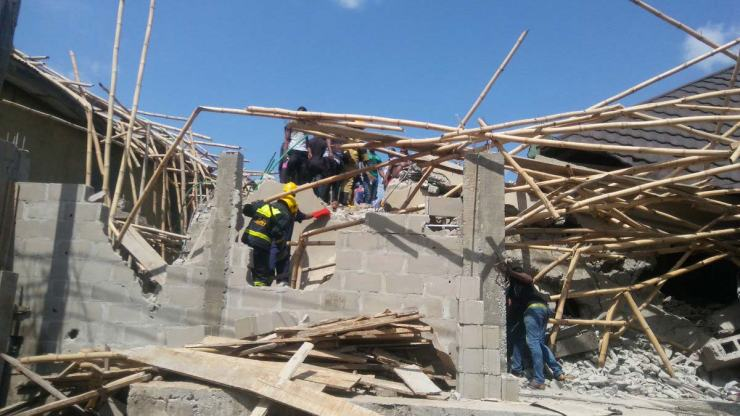 Image result for collapse of buildings in Nigeria MANY TRAPPED AS ANOTHER UNCOMPLETED 3-STOREY BUILDING COLLAPSES IN ONITSHA MANY TRAPPED AS ANOTHER UNCOMPLETED 3-STOREY BUILDING COLLAPSES IN ONITSHA Building Collapse