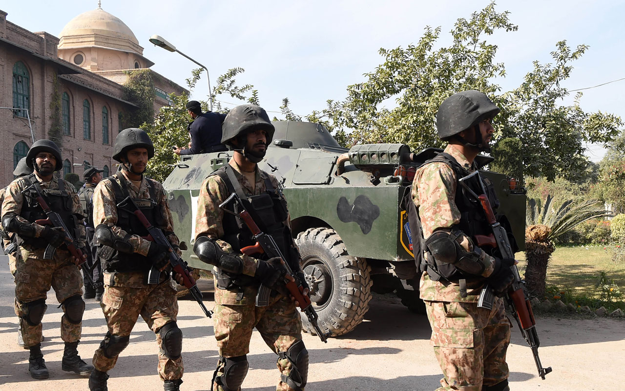 At least six people on Monday were reportedly killed and more than a dozen wounded in a bomb blast in South-Western Pakistan, an official said. A bomb planted on a motorbike went off in the heart of the city of Chaman, which borders Afghanistan's Kandahar province. According to the regional police official, Mohammad Iqbal, at […]