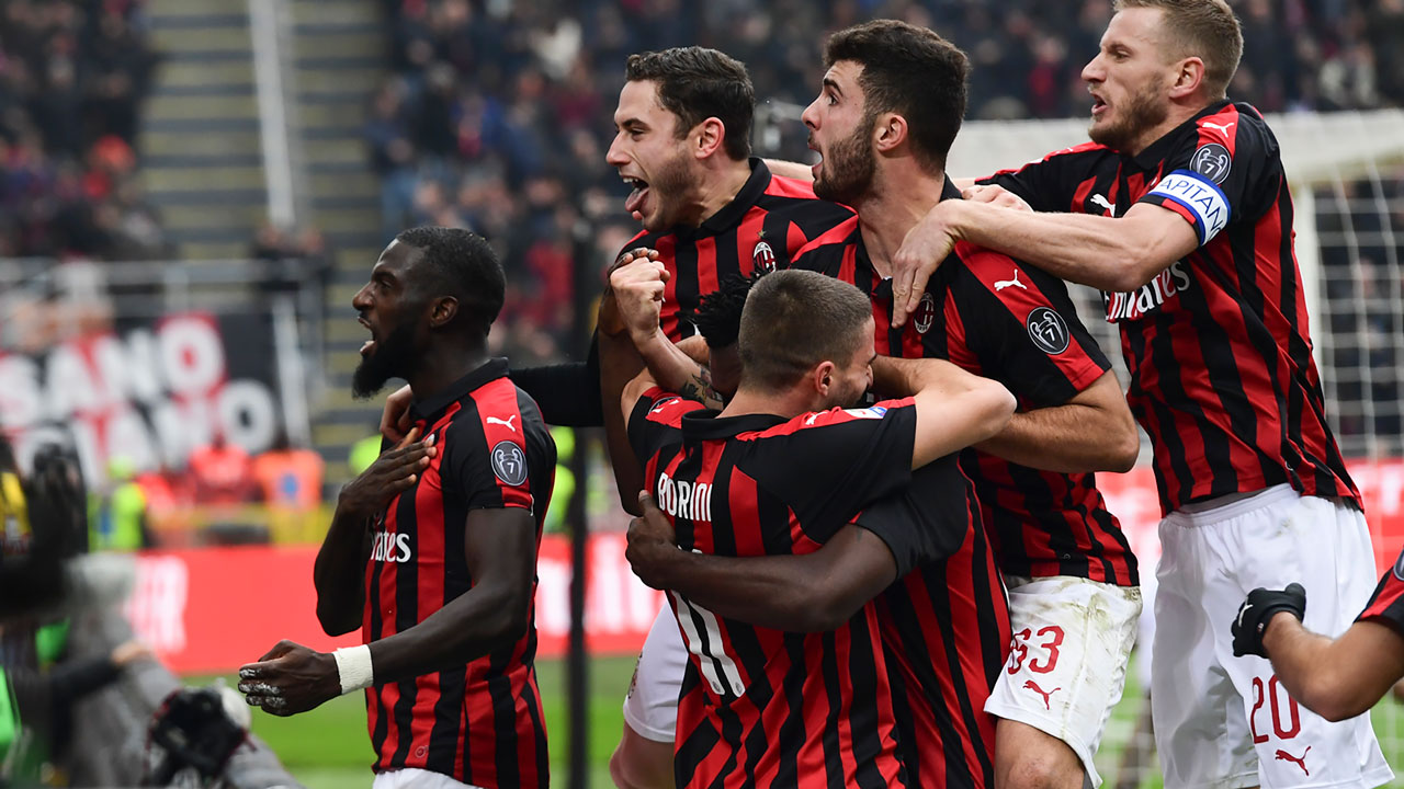 AC Milan produced another comeback act as they scored three times after the break to beat Parma 3-1 in Serie A on Wednesday and remain undefeated since the season resumed. Franck Kessie began the fightback with a ferocious strike before Alessio Romagnoli and Hakan Calhanoglu struck to make it five wins and two draws in […]