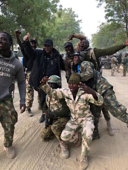NNN: 一位安全消息人士周四说,一名尼日利亚州长周三晚上在该国东北部的博尔诺州逃脱了涉嫌为博科圣地武装分子的 […]