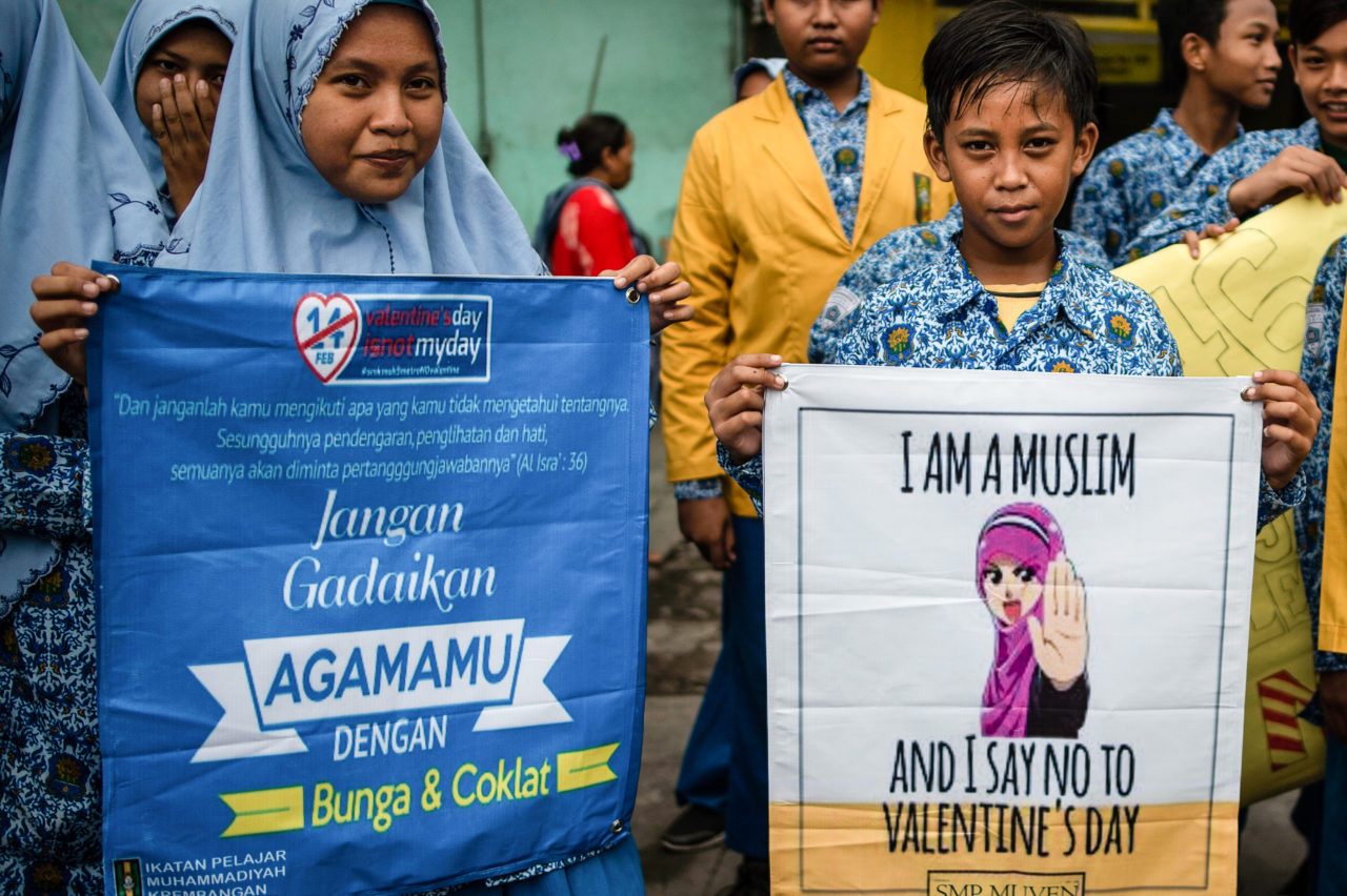 Indonesian Islamic Scholars Are Seeking To Avoid The Usual Mass Homecoming For Eid Al Fitr, Forbidding People From Travelling Home During The Coronavirus Pandemic. The Fatwa Was Issued On Friday By