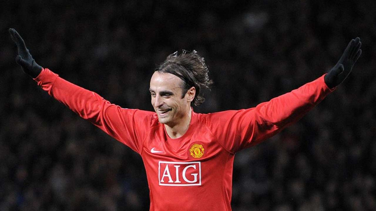 Bulgaria's Record Goalscorer Berbatov Announces Retirement