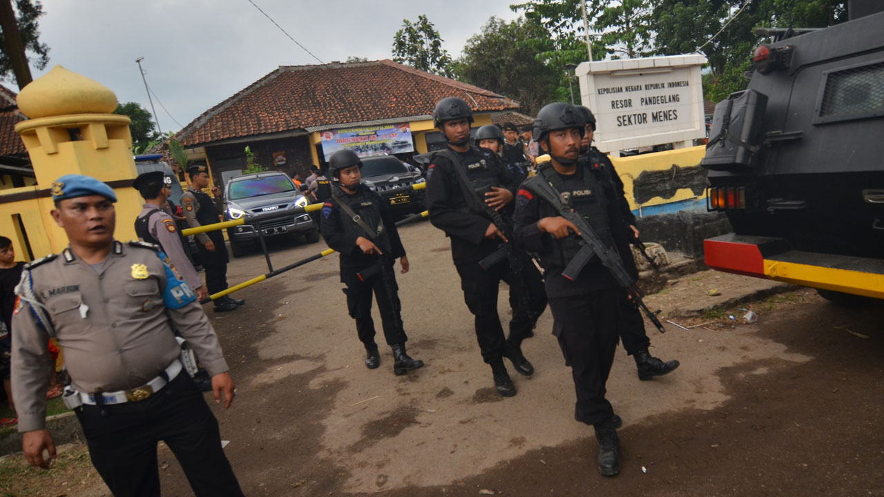 Indonesian Security Minister Recovering After Knife Attack