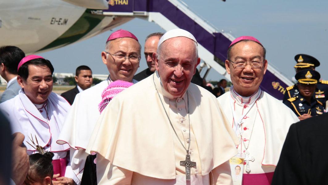 Pope Says Technology, Globalisation Endanger Youth Individuality