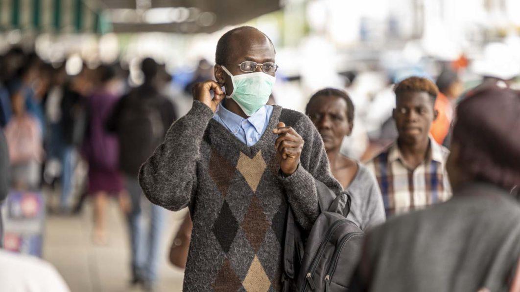NNN: سجلت زيمبابوي 12 حالة وفاة كوفيد 19 يوم الخميس ، وهو أكبر عدد يومي للوفيات حتى الآن ، ليرتفع عدد القتلى في البلاد إلى 53. وقالت وزارة الصحة ورعاية الطفل في بيان صباح الجمعة إن الوفيات وقعت في مقاطعتي هراري وميدلاندز. سجلت الدولة 213 حالة جديدة لـ COVID-19 ، مما رفع إجمالي البلاد إلى […]