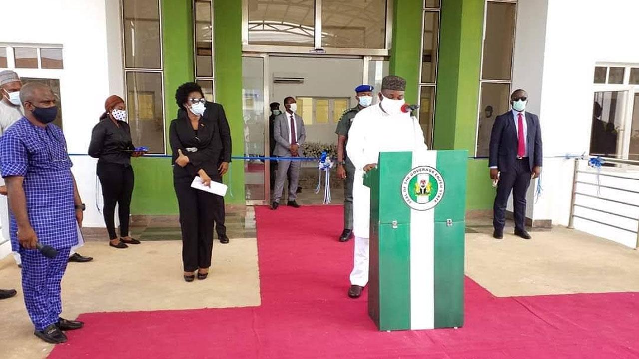 Le gouvernement de l'État d'Enugu a annoncé 29 nouveaux cas d'infection au COVID-19, portant le nombre total dans l'État à 560. Vendredi, le commissaire à la santé de l'État, le professeur Ikechukwu Obi, l'a fait savoir. Obi a déclaré que le ministère avait confirmé les 29 nouveaux cas dans la mise à jour du Nigeria […]
