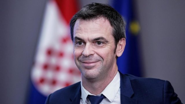 """The French government and medical unions on Monday signed off on a deal to boost the pay of hospital staff, after they were hailed as heroes during the coronavirus epidemic. The """"historic"""" deal would involve an extra 7.6 billion euros (8.6 billion dollars) yearly, Health Minister Olivier Veran said. Some 1.5 million workers would get […]"""