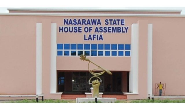 A Nasarawa legislator, Alhaji Ibrahim Muluku, on Monday, called on a construction firm to address the water channelisation problem in Nassarawa Eggon to avoid causing more damage to the neighboring Rugan Baki Iyaka Fulani community. Muluku, representing Nasarawa Eggon East constituency, made the call on China Habour Engineering Company Limited, the contractor handling the dualization […]