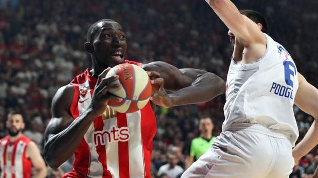 NNN: Майкл Охо, бывший игрок баскетбольной команды Red Star, умер в пятницу во время тренировки в Белграде. Клуб подтвердил это на своем веб-сайте, заявив, что 27-летний нигериец-американец потерял сознание во время тренировки в тренажерном зале и не может быть реанимирован. Центровой высотой 2,16 метра, дебютировавший за мужскую команду Нигерии D'Tigers в 2018 году, играл за […]