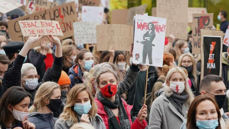 Warsaw braces for mass abortion rights protest