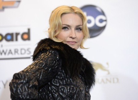 Madonna wants her fans to revolt