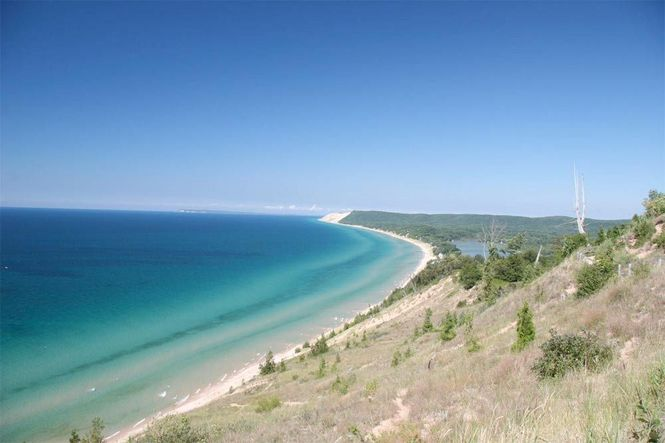 Lake Huron Found to Be Sitting Atop Ancient Caribou Hunting Structure