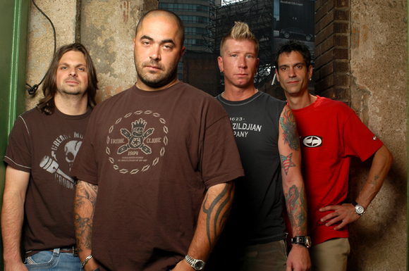 Staind Front Man Stands Up for Young Teen [Video]