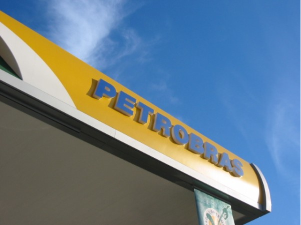 Brazil Petrobras Corruption Contributes to Nation's Economic Decline