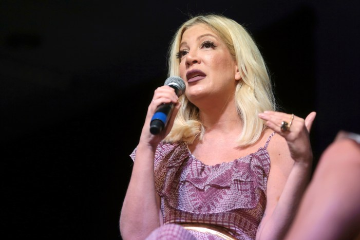 Tori Spelling Issued a Bench Warrent in Bank Lawsuit Case