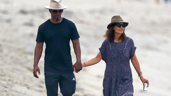 Jamie Foxx Seen Snuggling With a Brunette Who Isn't Katie Holmes