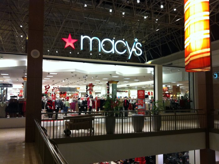 Lockdown After Round of Gunshots at Macy's in River Oaks