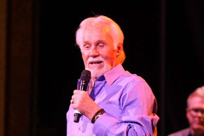 Kenny Rogers Singer of 'The Gambler' Dies at 81