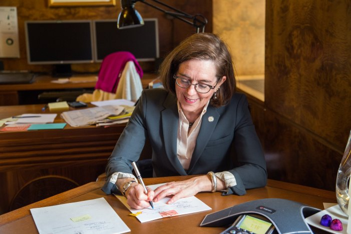 Oregon Governor Quickly Responds to Increased Daily Coronavirus Cases