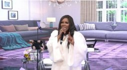 Juanita Bynum Slams Critic While Preaching