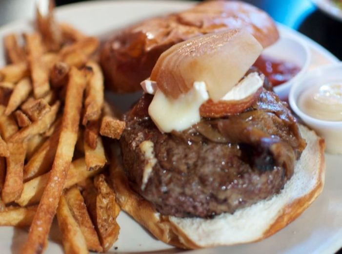 Chicago Burger Place Offers Controversial Delta 8 Products