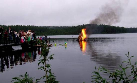 Фото: http://www.fototerra.ru/Russia/Kostamus/Saarilainen-3795.html