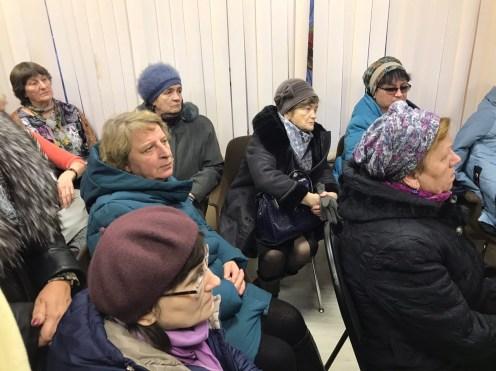 На встрече с жителями Соломенного. Фото: Губернiя Daily
