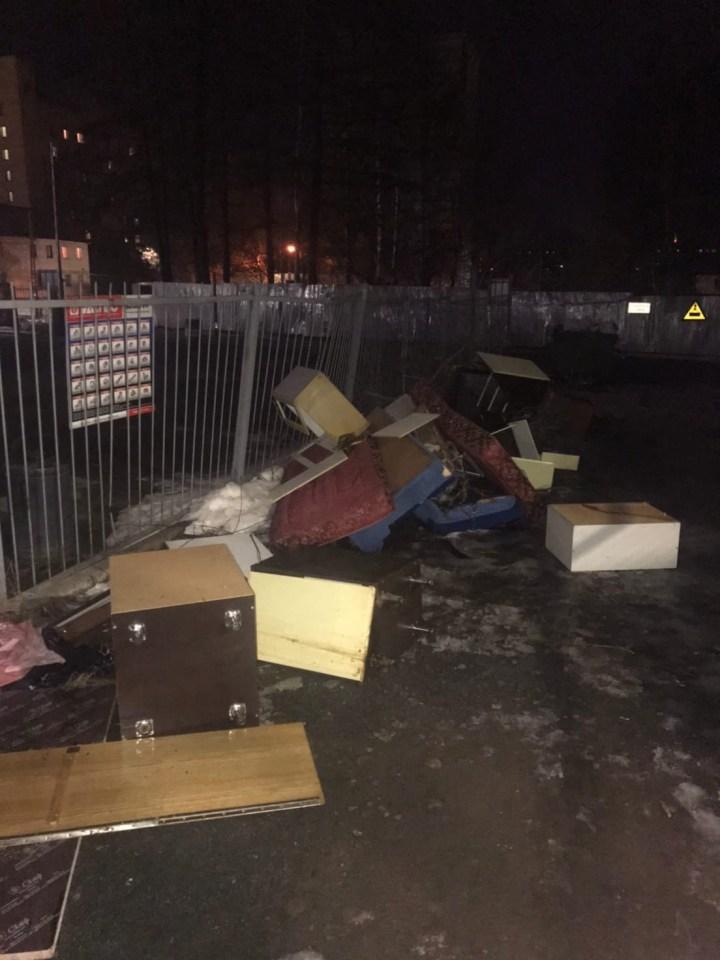 Петрозаводск, двор, мусор