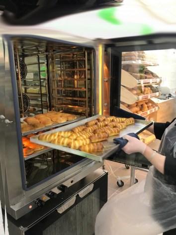 печка, сосиски в тесте, из печки, пирожки, олония, купить продукты, петрозаводск, магазин, центр, горького 25, гоголевский