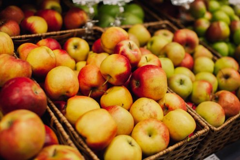 яблока на прилавке, вкусвилл, петрозаводск