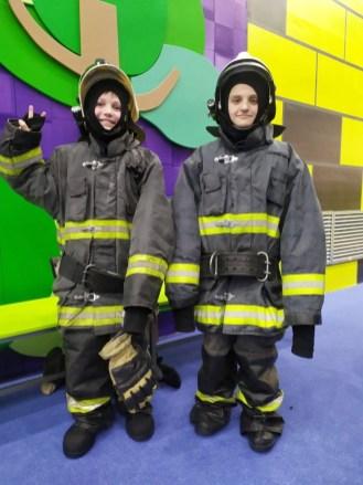 мальчик в костюме пожарного, боше парк, петрозаводск, город профессий