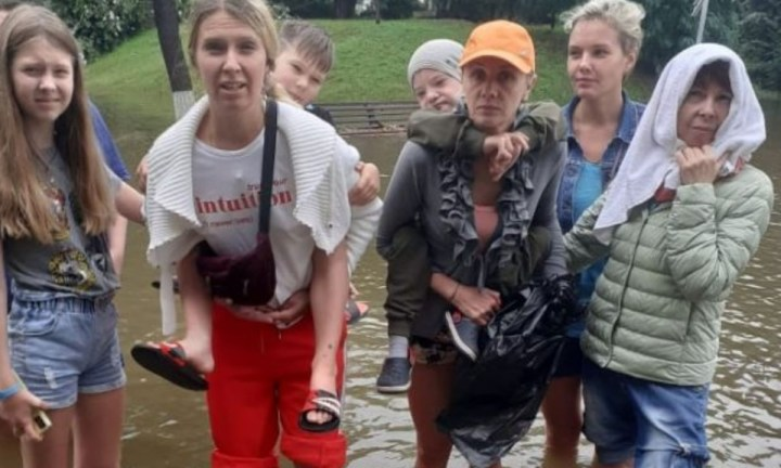 детей-инвалидов забыли в затопленном лагере